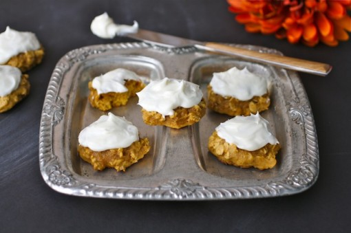 Pumpkin-oatmeal cookies with creamy goat cheese frosting