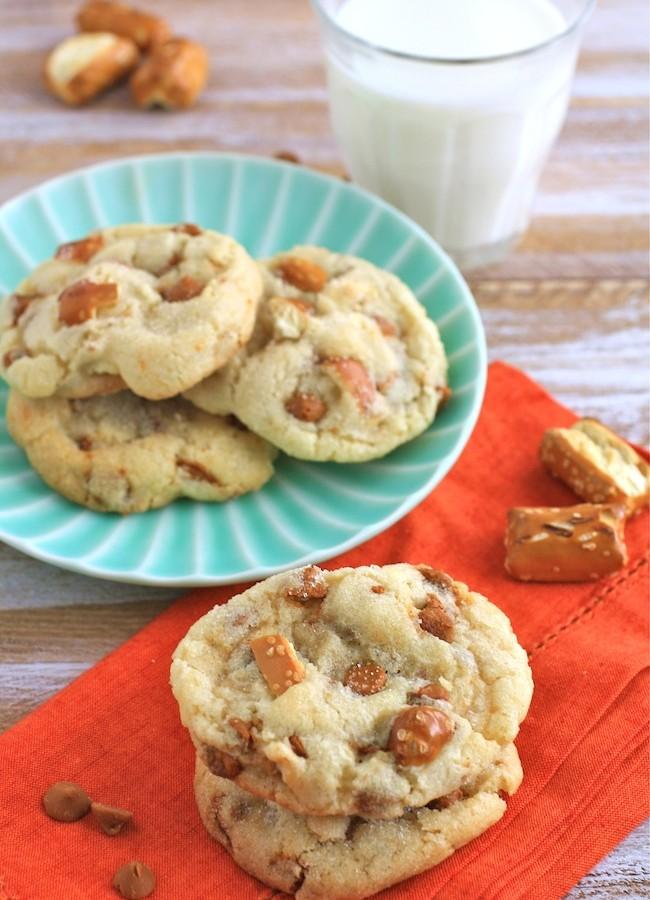 Cinnamon Pretzel Crunch Sugar Cookies